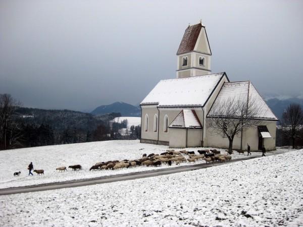 Auf dem Weg heimwärts - Kirche St. Florian - Wildenwart
